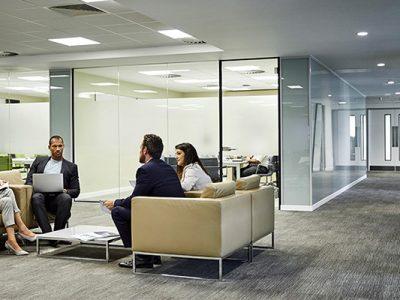 Mobilier de bureau sur mesure : lobby